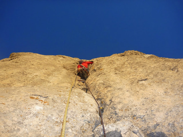 escalade grande voie terrain d'aventure sainte baume