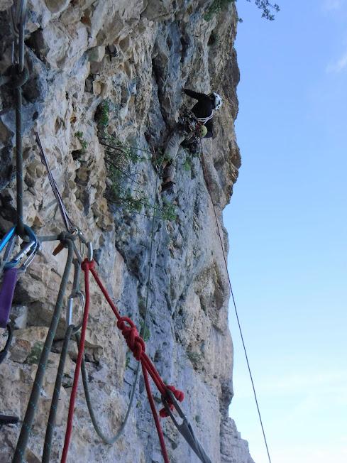 La Directissime au Mont Aiguille: une belle voie difficile et oubliée du Vercors. Infos et topo détaillés dans l'article.